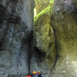 tiefe schlucht Canyoning