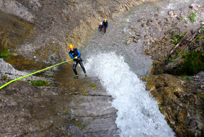 Familie Canyoning abseilen  Lechtal